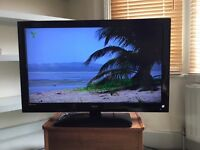 """Technika 40"""" Full HD 1080p Digital LCD TV ***** with Freeview, 3x HDMI inputs, stand & original box"""