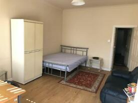 Available Now! This is a modern Studio Flat located in the Hillsborough area.