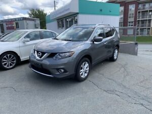 2016 Nissan Rogue SV AWD, back-up cam, heated seats