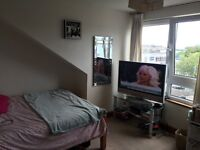 1 bed for rent in a 2 bed flat on Wellington road £450 pcm