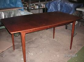 VINTAGE 1960's McINTOSH TEAK EXTENDABLE DINING TABLE.