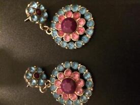 Pair stoned earrings