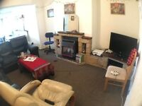 4 bedrooms available in this lovely student house share