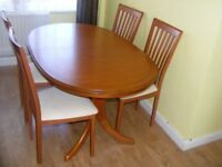 CAN DELIVER - EXTENDING DINING TABLE + 4 CHAIRS IN GOOD CONDITION