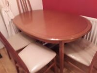 Table and 4 chairs extendable