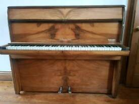 Ships Piano