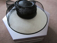 Lovely Black & White Occasiuon/Mother of Bride Hat - never worn + box smoke/pet free