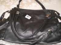 LADIES HANDBAGS, WITH SHOULDER STRAP. BRAND NEW. LARGE SIZE. BLACK