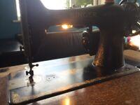 Vintage Singer Sewing Machine electric 1929