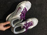 Nike trainers & free hoodie