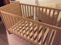 Mamas&papas cot/toddler bed+mattress