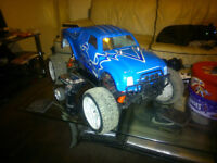 1/5 scale 2 stroke RC car monster truck 26cc