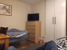 Double room for rent Acton/Shepherds Bush