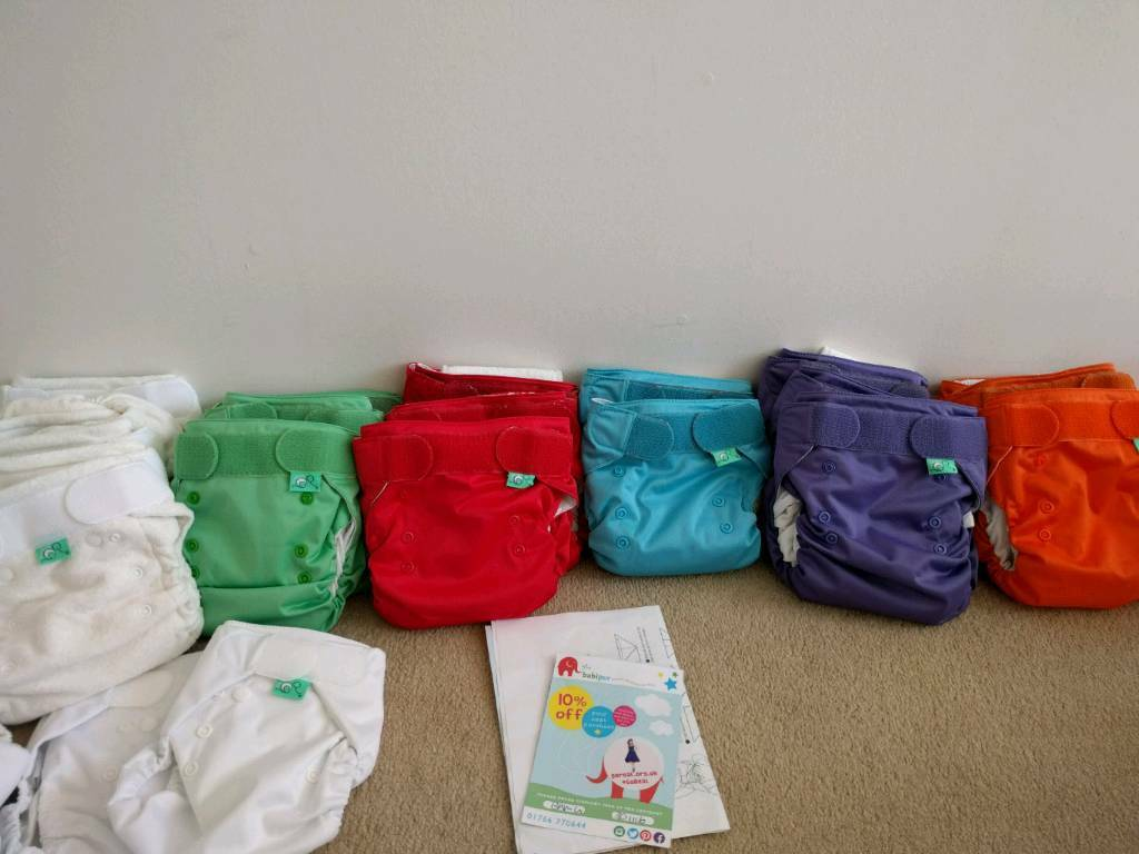 Tots bots real nappiesin Kilmarnock, East AyrshireGumtree - Tots bots real nappies x 20 plus 10 rolls of flushable liners and 2 packs of fleece liners. Also includes travel bag for soiled nappies, nappy bin and washing machine bag. Most arent used and those which have been have only been used a handful of...