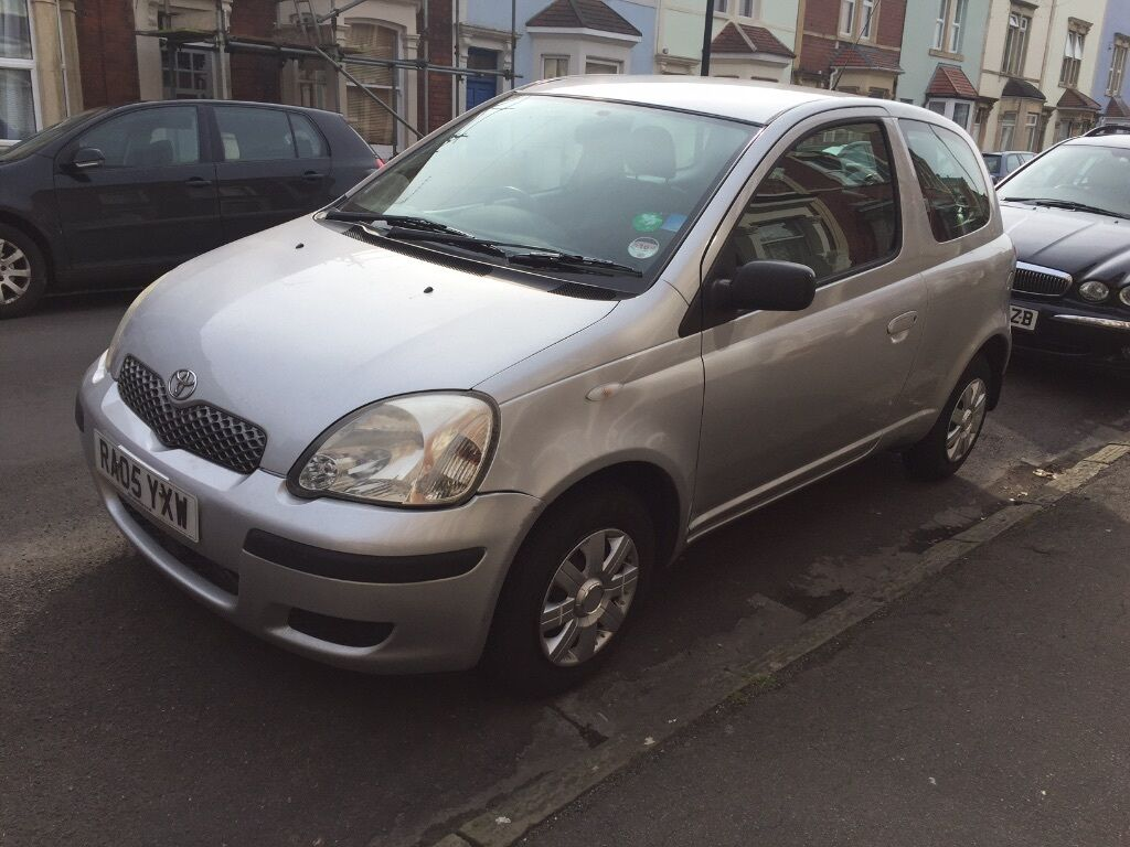 toyota yaris 1 0 vvt i t2 3dr 2005 for sale in knowle bristol gumtree. Black Bedroom Furniture Sets. Home Design Ideas