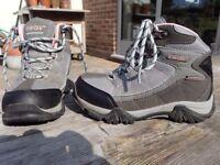 HI-TEK walking boots - Children's size 11