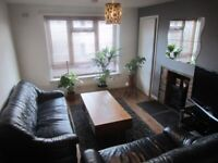 1 bedroom cottage apartment Murray, East Kilbride – funky, bright and spacious with generous storage