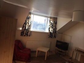 A SPACIOUS DOUBLE ROOM FULLY FURNISHED