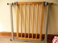Lindam Sure Shut Deco Stairgate / Stair Gate / Pet Gate