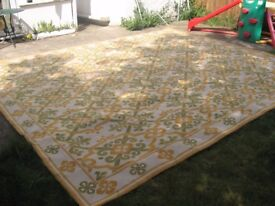 Large Beautiful Rug with ivory and green linked lattice