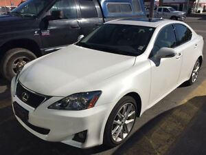 2013 Lexus IS 250 ** AWD ** Leather and Moonroof **