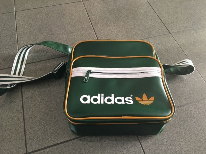 adidas originals sir bag ledertasche gr n in bayern neu ulm ebay kleinanzeigen. Black Bedroom Furniture Sets. Home Design Ideas