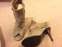Shoes size 5 never worn bag mixed ladies clothes size 10/12