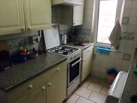 3 bed flat ilford Mayfair Avenue