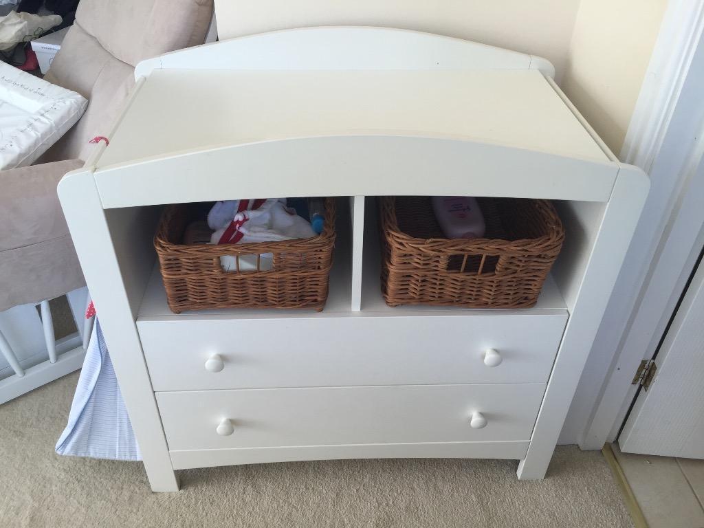 Baby crib for sale redditch - Humphrey S Corner Changing Draw Unit And Wardrobe Set