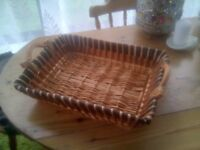 LOVELY WICKER TRAY,BRAND NEW CONDITION