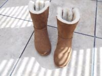 ladies real tan uggs size 6 .5 brought in october cant wear due to illnessvgc