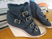 Navy Ash Wedge trainers size 6