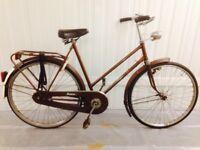 Brown Btaus classic Ladies Dutch city bike Fully serviced