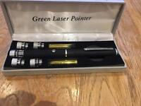 ORIGINAL GREEN LASER PEN WITH CHANGER POINTERS IN BOX-NEW RRP£49.99 can deliver,lots on sale look