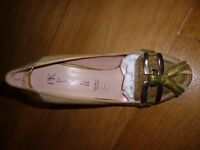 Green and beige leather uppers, new. Size 35