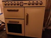 'Leisure' Range Cooker with electric oven and gas hob