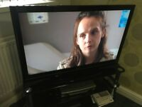 40in Toshiba Lcd 4XHdmi Usb 1080p TV With Remote Base Stand