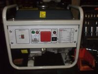 SMALL 1100W 4 STROKE PETROL GENERATOR WITH HIGH CAPACITY FUEL TANK