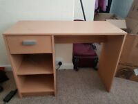 Desk - good condition - pick up only