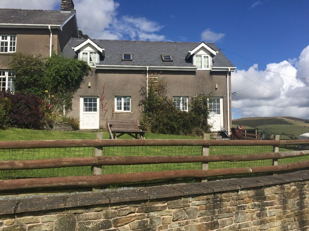 rent to cottage welshpool beacons mid brecon rental wales in cottages