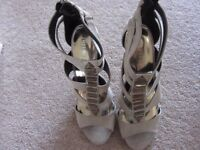 Ladies Forever 21 Gladiator Style Stone Faux Suede High Heeled Sandals UK 5 - NEW