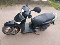 2015 Peogeot Tweet 125 Scooter READY Moped to go