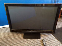 """Black HD Hitachi 52"""" Flat Screen Tv Spares Or Repair See Details NEED SPACE hence price"""