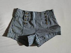 Women's Striped Shorts - Forever 21 - Size 10