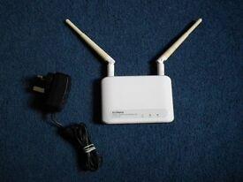 Edimax wireless 300 metre wifi range extender with mains lead.