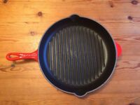 ***Le Creuset Griddle Pan Cast Iron Cerise 30 cms***