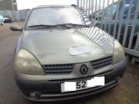BREAKING ---- Renault Clio Extreme 16V 1.1 L Petrol ---- 2002
