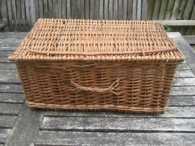Large Wicker Storage Hamper Basket Picnic Basket