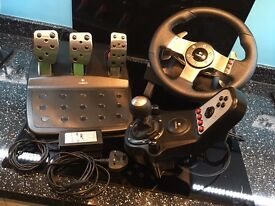 Logitech G27 Steering Wheel with foot pedals and gears / box