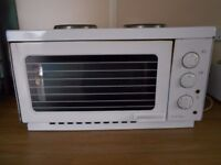 Russel Hobbs 9942-10 Classic White Mini/Table Top Oven with Grill & 2 Hot Plates